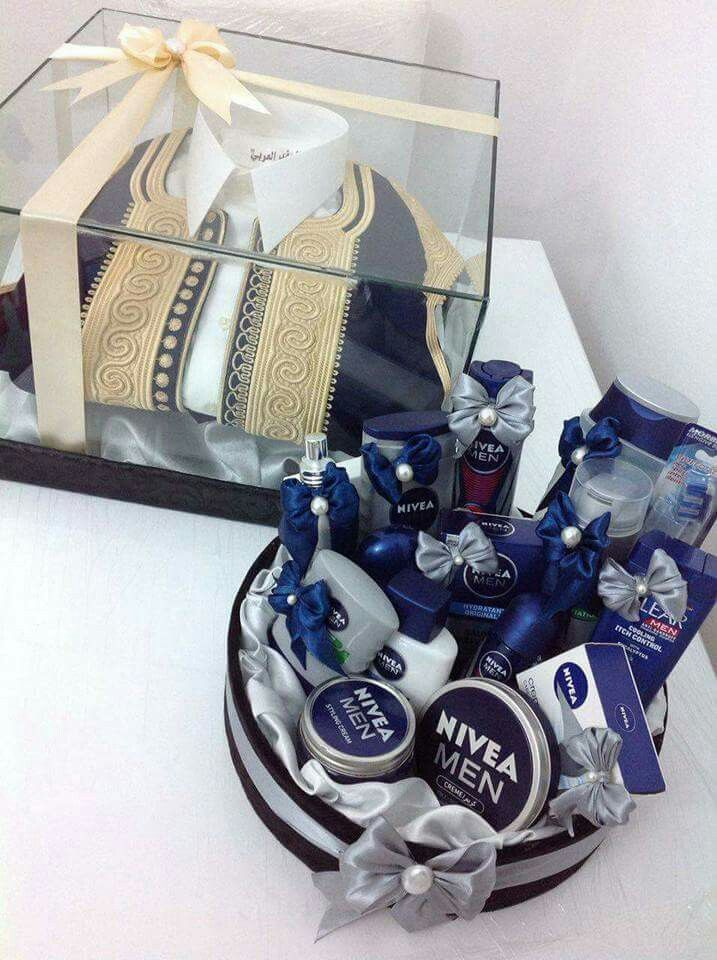 Pin By Ozy On Baskets Boyfriend Anniversary Gifts Wedding Gift Hampers Gift Box For Men