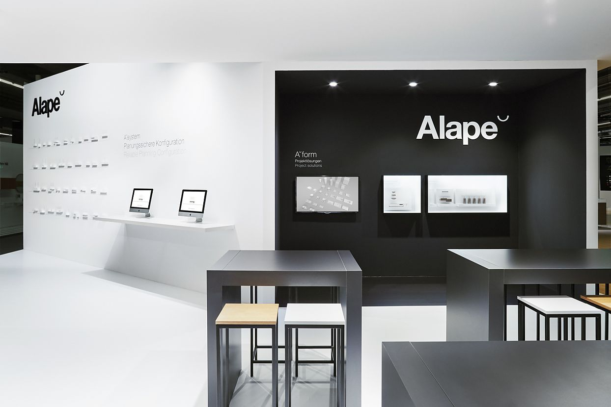 Black and white fair booth for Alape @ ISH 2015. Design by hlz.de