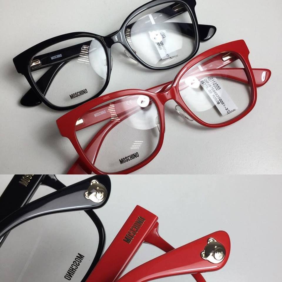 e5d315c83b235 Moschino 508 é ideal para quem procura um óculos com grau com formato  clássico