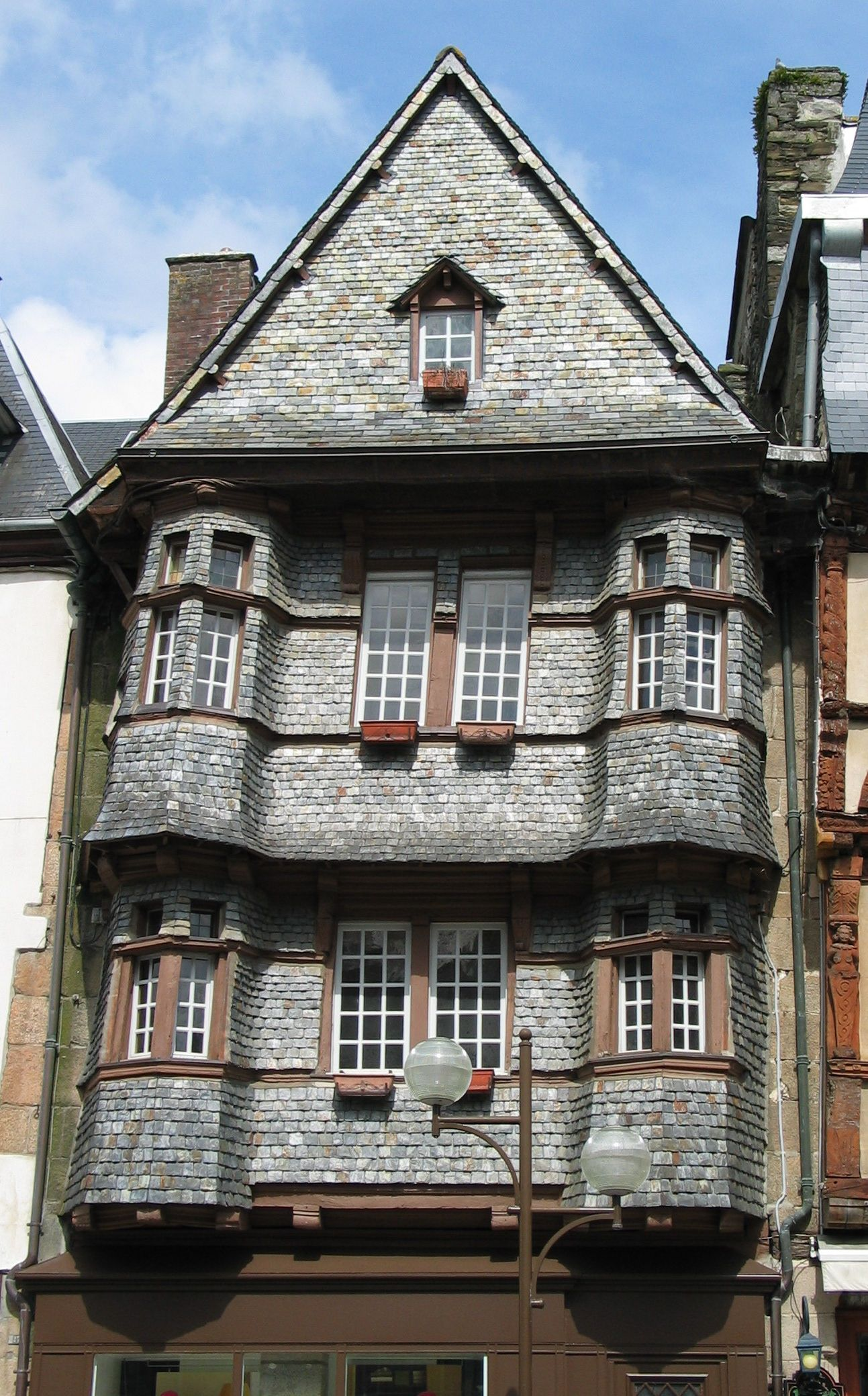 lannion (côtes d'armor) maison du chapelier - xvième   région