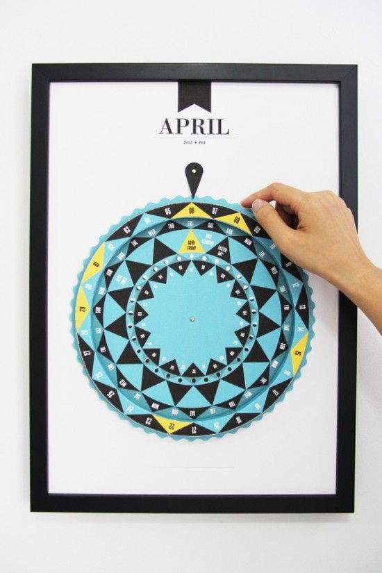 Round Calendar Design : Calendar visualize the week in a round form can tie