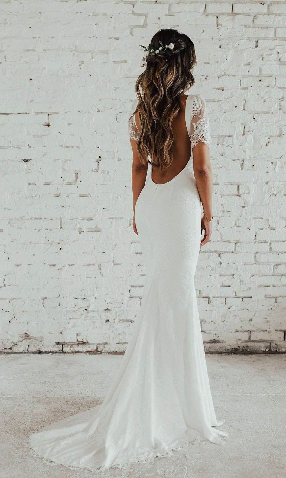 It Could Be A Difficult Situation That You Should Decide The Hairstyle To Your Your Lace Wedding Dress With Sleeves Fantasy Wedding Dresses Boho Wedding Dress