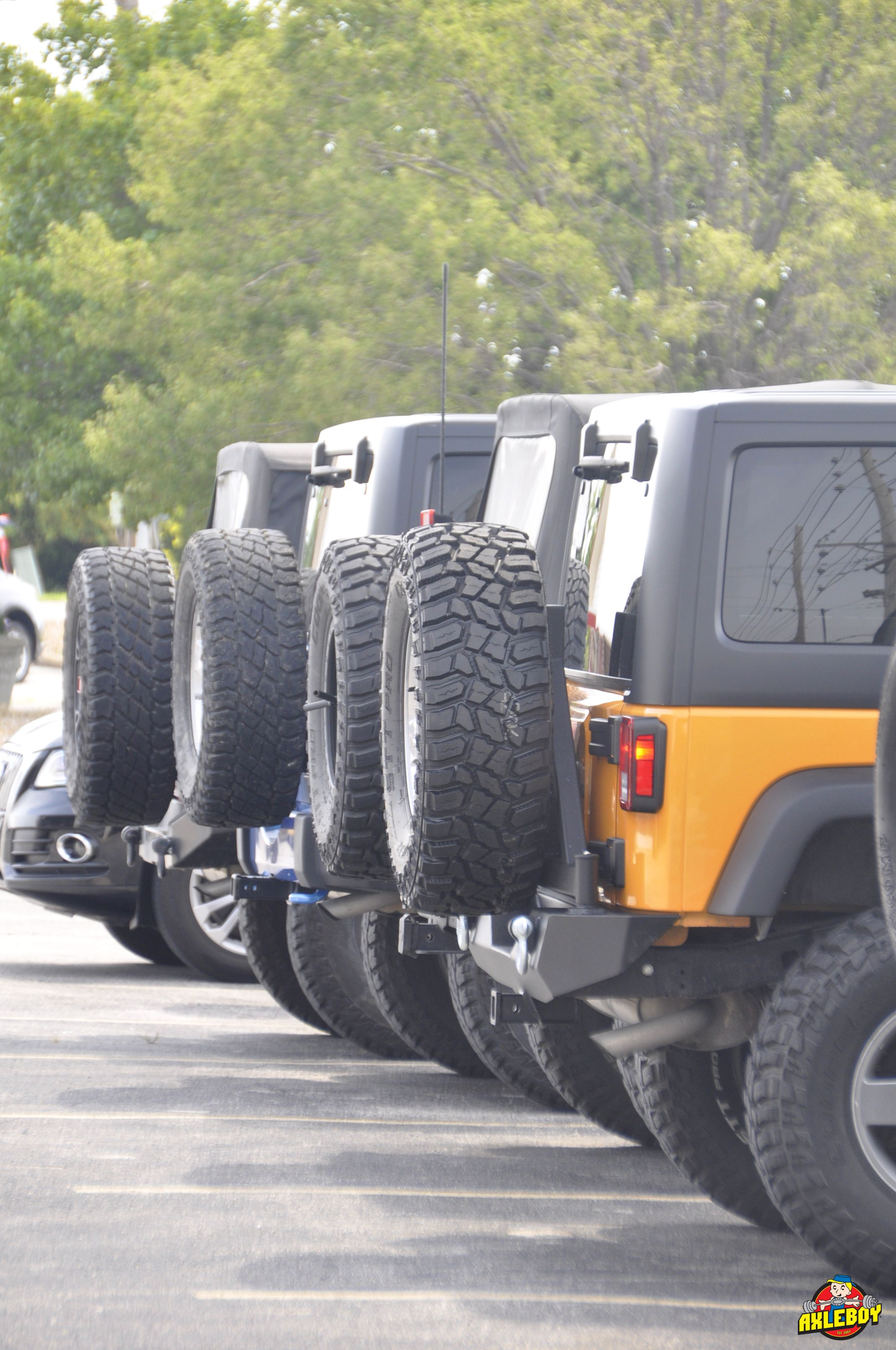 Making New Friends In The Parking Lot Axleboy Offroad Jeep