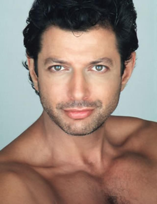Jeff Goldblum I Cant Help But Find Him Attractive Especially When He Has Those Eyes And Pretty Pecs