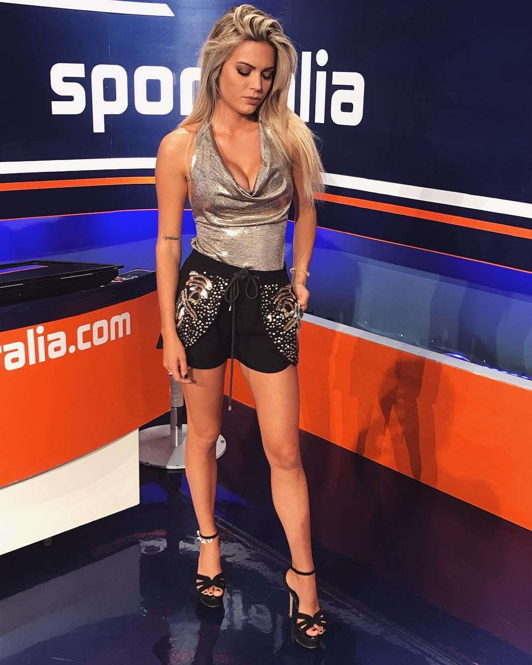 ludovica pagani (ita) | hot tv hosts w 2019 | hot i celebrities