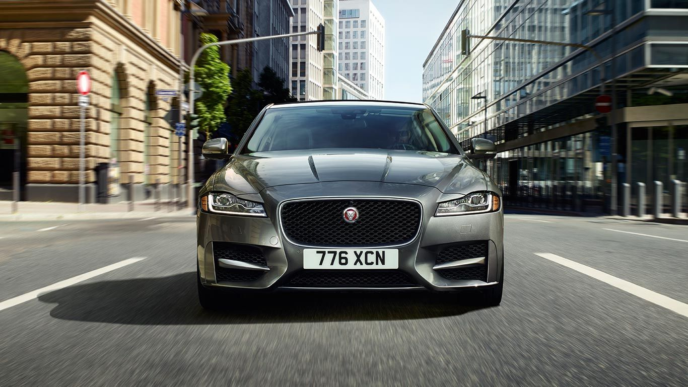 View The Jaguar Xf Sedan And Wagon Design Gallery Featuring Xf S And R Sport Luxury Sedan As Well As Xf Premium And Prestige Jaguar Xf Jaguar Usa Jaguar Car