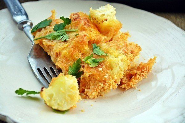 Baked cauliflower with cream sauce