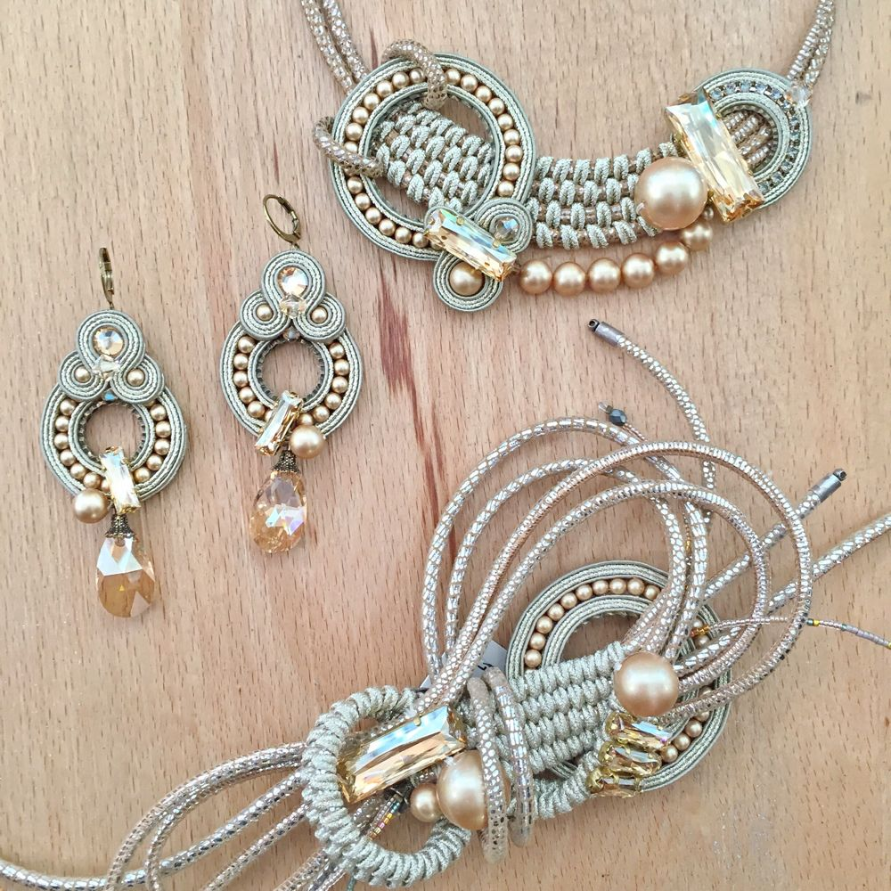 Super cool technique with soutache braid and interesting use of