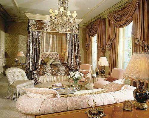Quarto de luxo,rosa bebe,dourado,bege/branco,castanho caramelo,aconchegante e simpatico para os amigos/visitas............etc.......