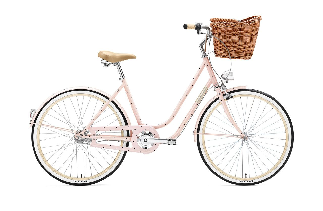 Ladies And Gentlemen A Polka Dot Bike I M In Love This Girl Will Take You Across Town In Comfort And Style Relax An Dutch Bike Polka Dot Bike Womens Bike
