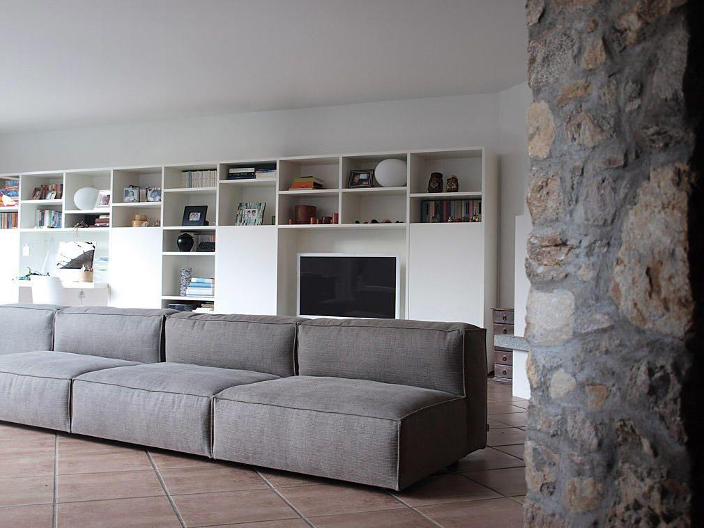 Soggiorno mobili ~ Mobili sospesi in soggiorno parete fissata a muro lago