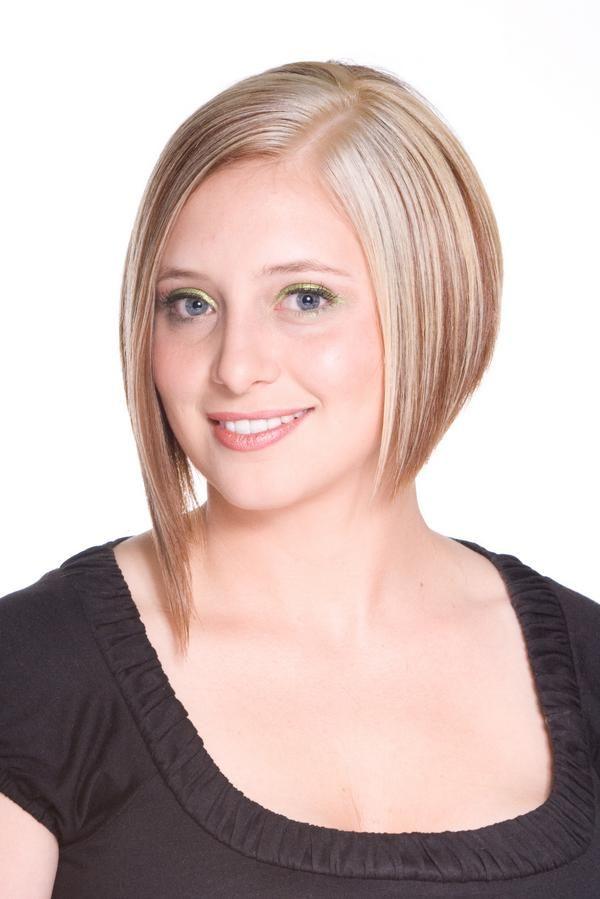Blond asymétrique Coiffure et beauté, Cheveux et Coiffure