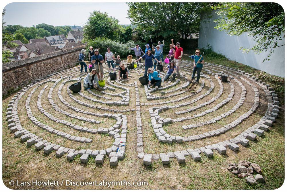 Chartres Labyrinth Lars Howlett Professional Labyrinth