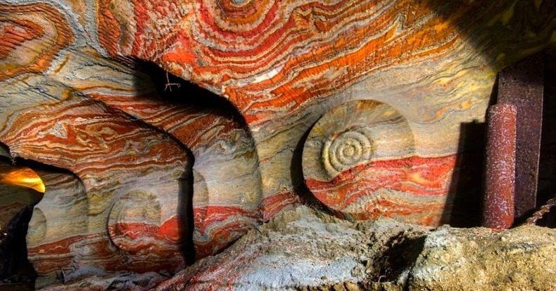 Inside Russia's Psychedelic Salt Mine: Naturally Forming & Mind-Bending Patterns