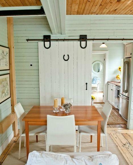 Puertas correderas tipo granero para interiores estilo for Herrajes para puertas correderas rusticas