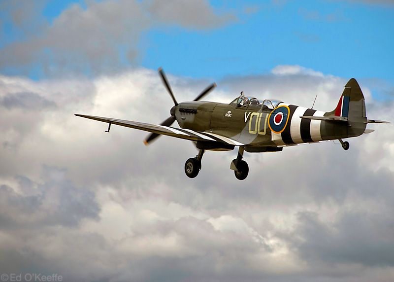 Spitfire Plane in Flight | Man Candy | Pinterest | Planes ...