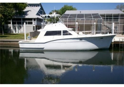 1968 45 (ft.) Hatteras Yachts - 45 Convertible #yacht #yachts #boat #boats #motoryacht #motoryachts #powerboat #powerboats #madeinitaly #sail #luxury www.tommyholiday.it