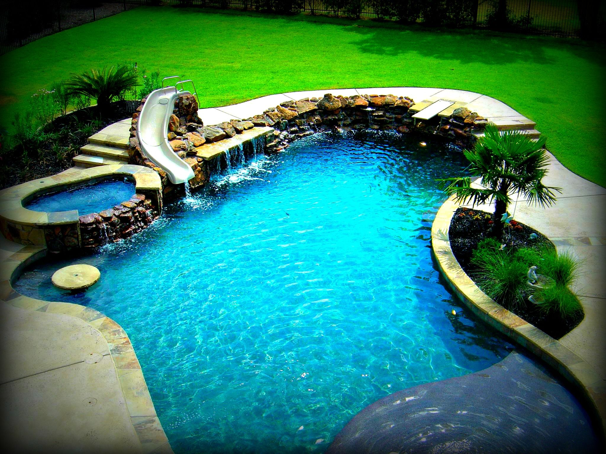 Freeform swimming pool examples by dallas fort worth for Pool design dallas texas