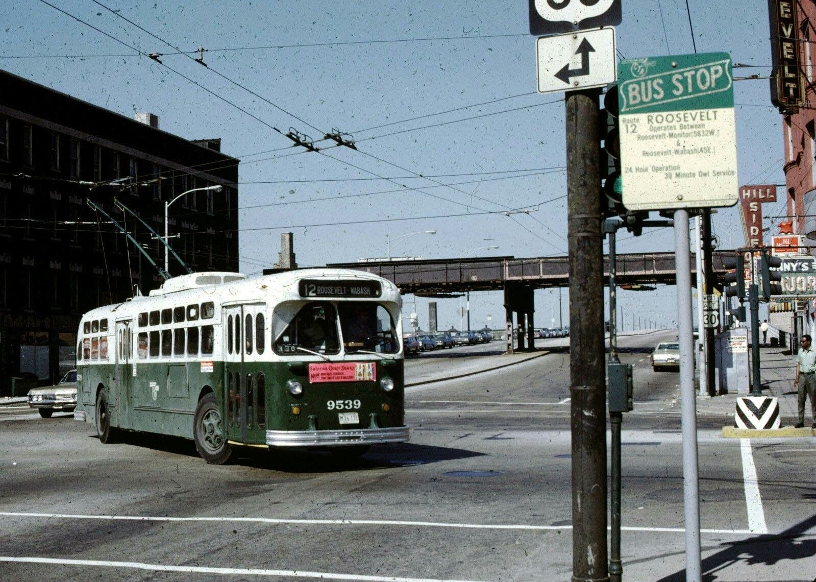 Photo Chicago 1960s Illinois Trolley Bus on Irving Park Road