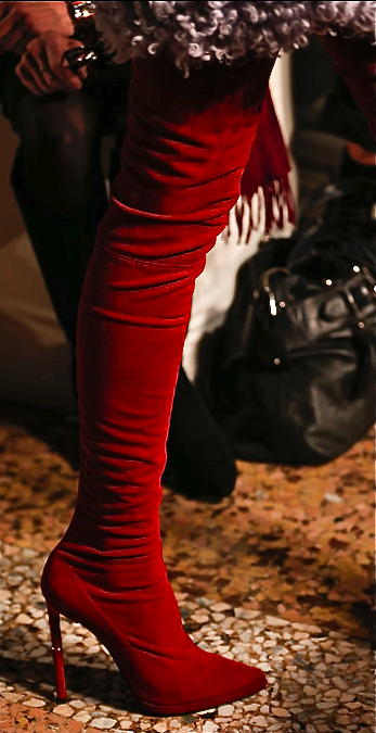Emilio Pucci #ColoroftheYear #Marsala #EmilloPucci #VelveteyewearColorOftheyear #fashionista #sharethelove