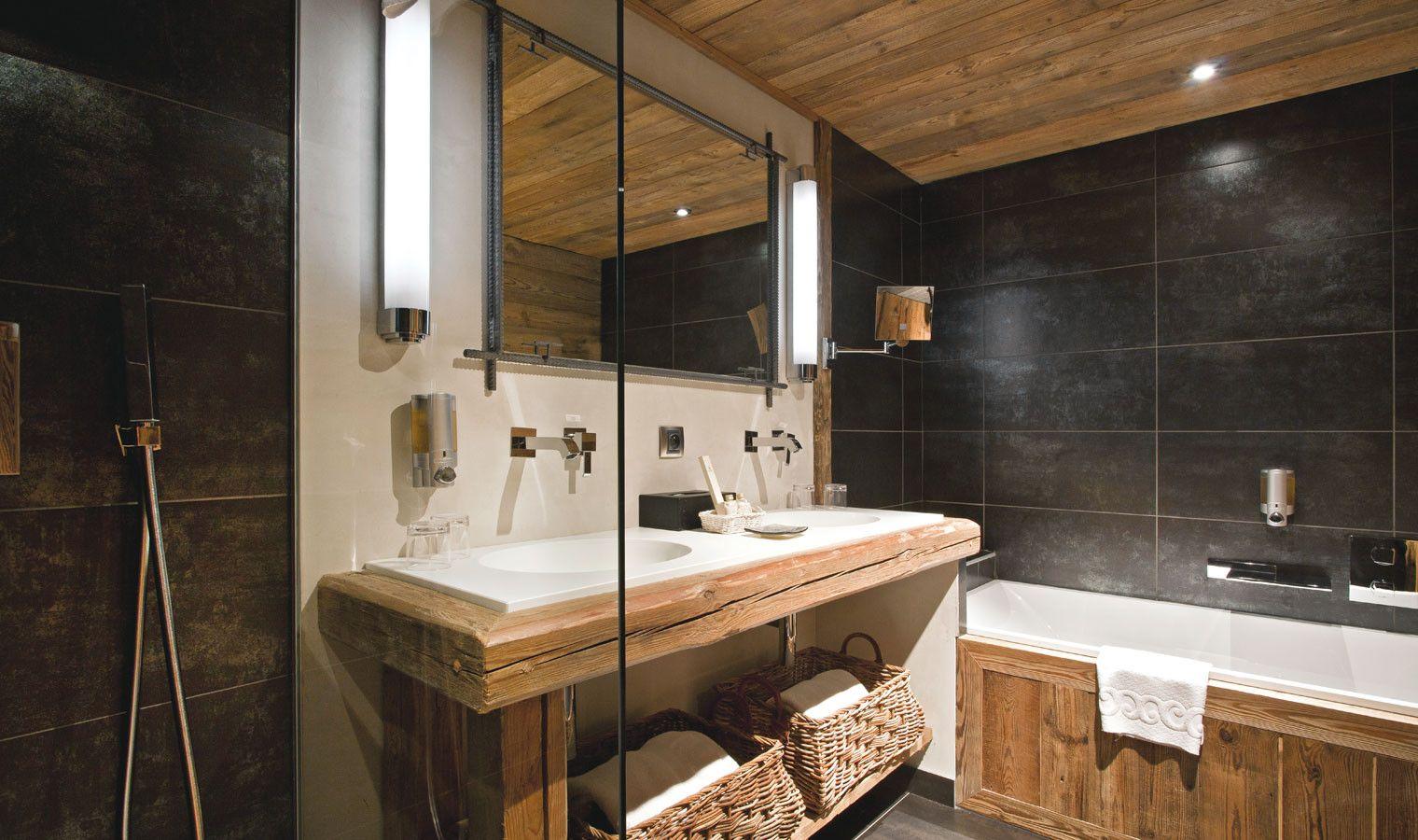 salle de bain moderne avec baignoire salle de bain 1 une 7m2 meuble de salle bain et id es. Black Bedroom Furniture Sets. Home Design Ideas