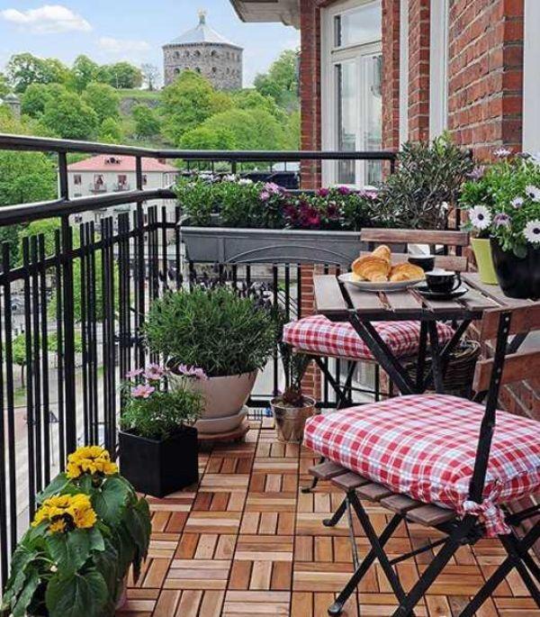 Holzfliesen balkon akazienholz eisen gel nder klapptisch balkongel nder pinterest - Holzfliesen balkon ...