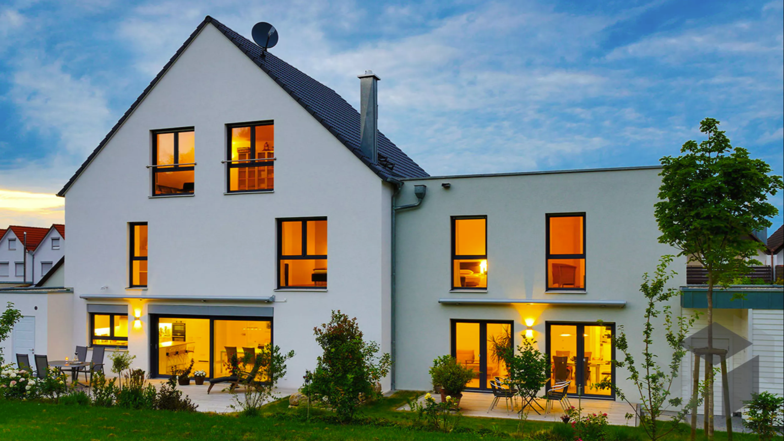 Kundenhaus SEYTHER Fertighaus WEISS 8 Zimmer 296 m²