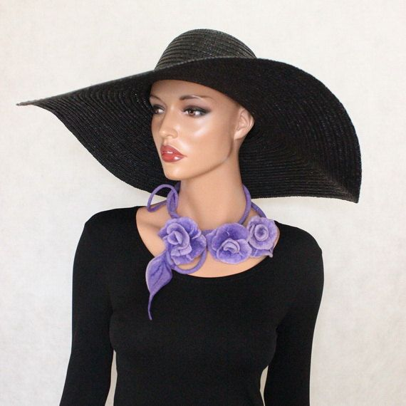 Perle collier violet feutré fleurs Violet feutré par ZiemskaArt