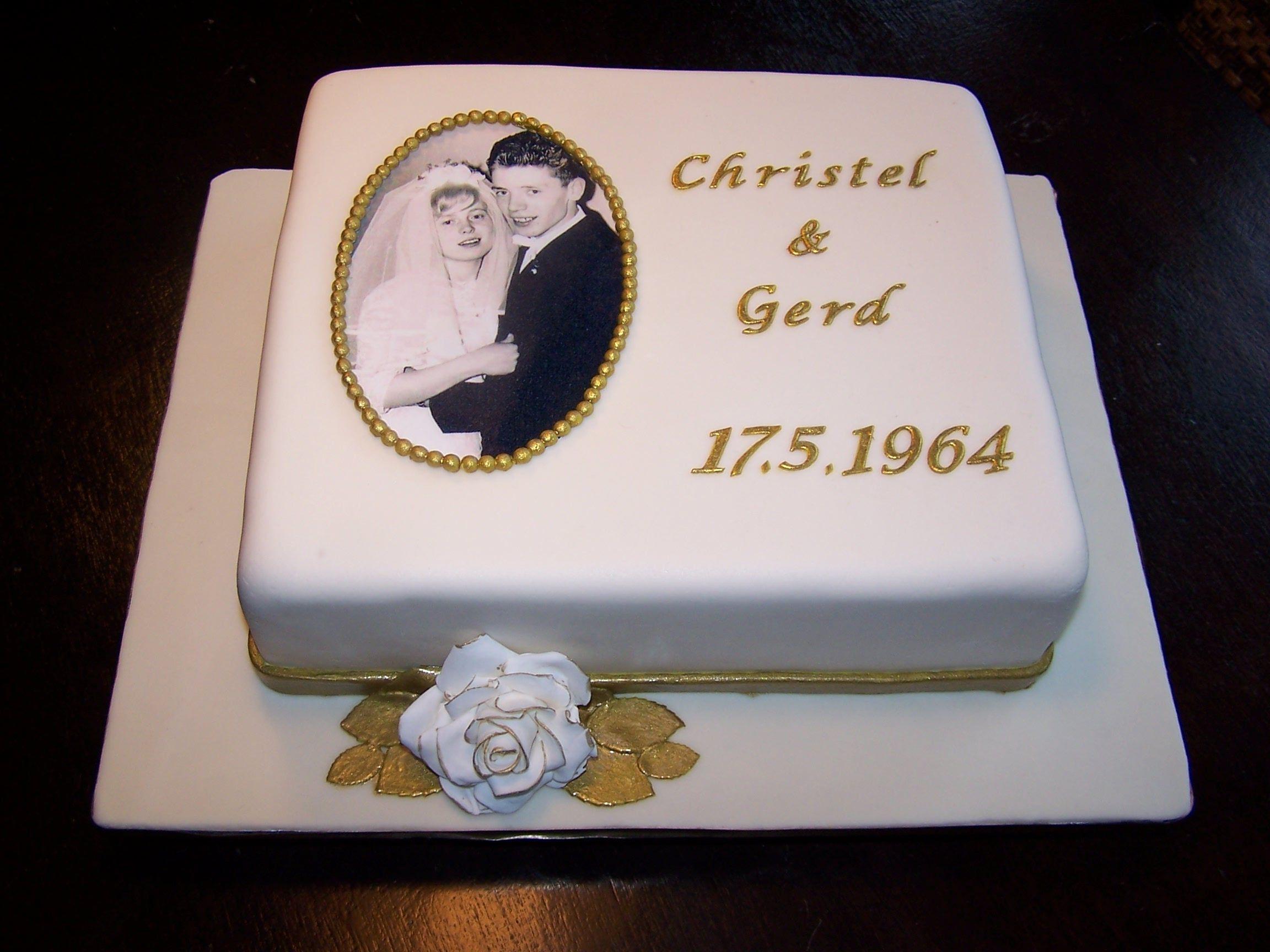 Fondanttorte Zur Goldenen Hochzeit Mit Essbarem Foto Fondant Cake