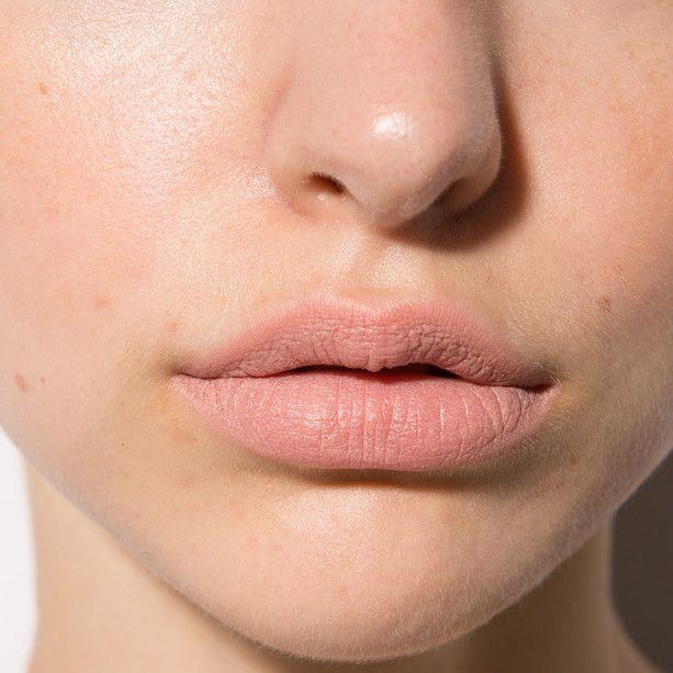 пухлые фактурные губы фото этом