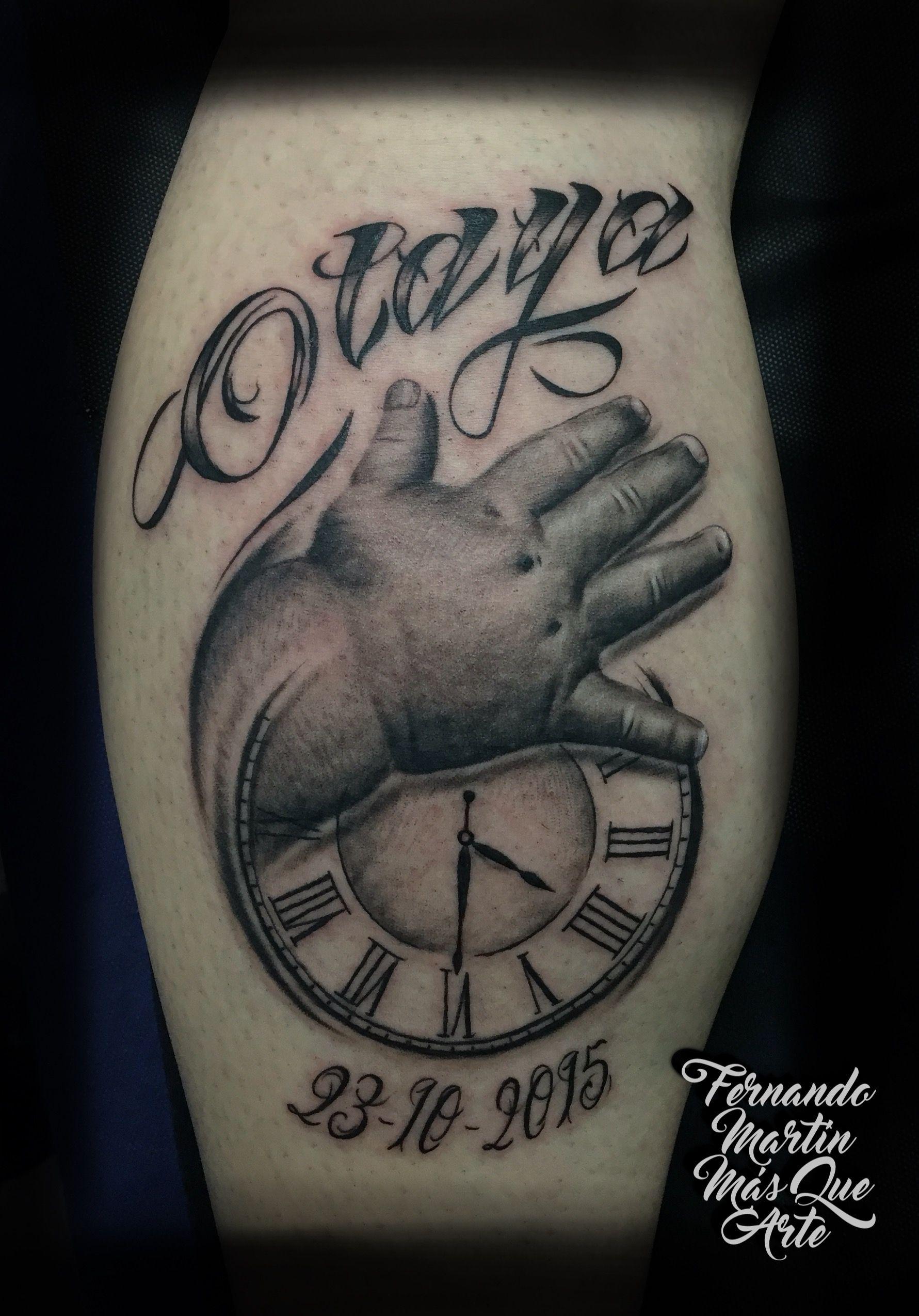 Fernando Martin Tattoo Arte Un Tattoo Valladolid Composicion De Mano De Bebe Reloj Nombre Y Manos De Bebe Tatuajes En La Mano Tatuajes Para Nombre De Bebe