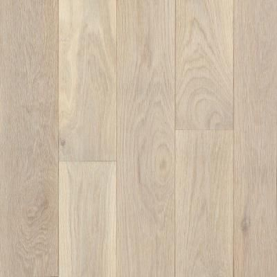 Bruce American Originals Tinted Tea Oak 3 4 In Thick X 5 In Wide X Random Length Solid Har White Oak Hardwood Floors Engineered Oak Flooring White Oak Floors