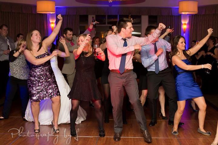 Scioto Reserve Country Club Columbus Wedding Dance Party With Night Music DJ NightMusicDJ