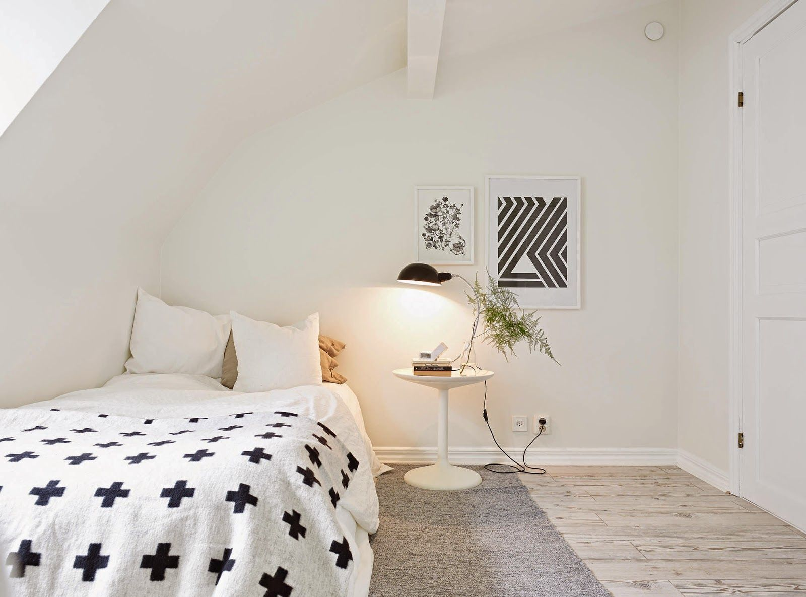 Wonderful A Calm White Swedish Home. I Like This For My Daughteru0027s Room.