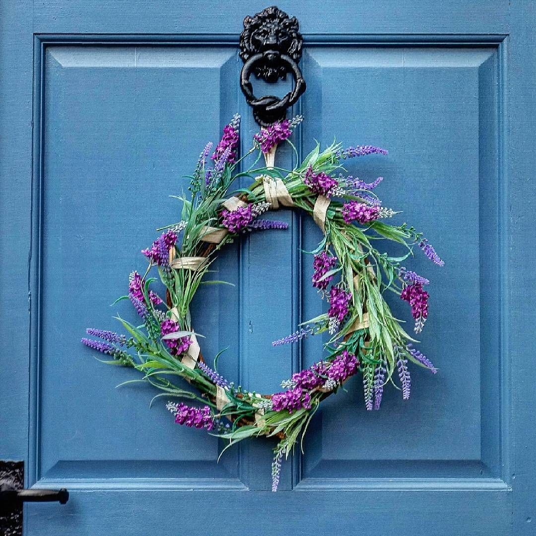Paula's door #colorsplash #wreath #homedecorations #summerwreath #frontdoor #decor #etsy #wildflowers  #thewhisperers #summer #symply_flowers #instaworld_love #gr8flowers #floweroftheday #flowerstagram #ptk_flowers #na_nature_art #artistery_  #naturelovers #at_diff #rsa_streetview #nothingisordinary #greenliving #simplicity