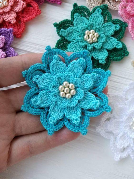 Lucre com lindas flores em crochê com pérolas - para aplicação + ...