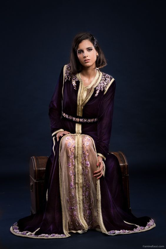 La vente robe de soirée caftan paradise et takchita marocaine haute couture  à prix pas cher en ligne dans la plus grande boutique dé… 96faaf4a5a4