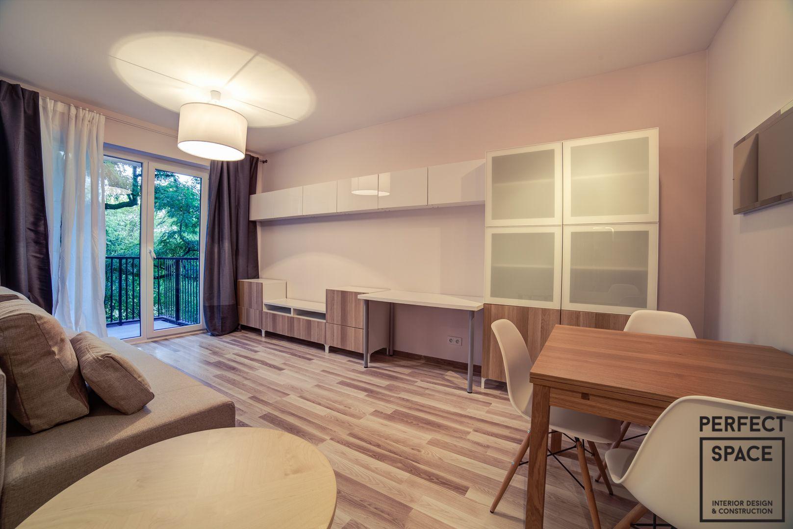 Śliczne, niewielkie mieszkanie na warszawskim Żoliborzu, wykończone (wraz z projektem) w ciągu 6.5 tygodnia, co stanowi kolejny rekord rekord teamu Perfect Space. Przytulny klimat stworzony sprawdzonymi rozwiązaniami – ciepłym oświetleniem, znanymi i sprawdzonymi barwami oraz propozycjami meblowymi od wiodących producentów.