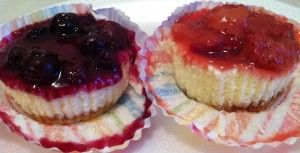 Strawberry and Blueberry mini-cheesecakes!!!