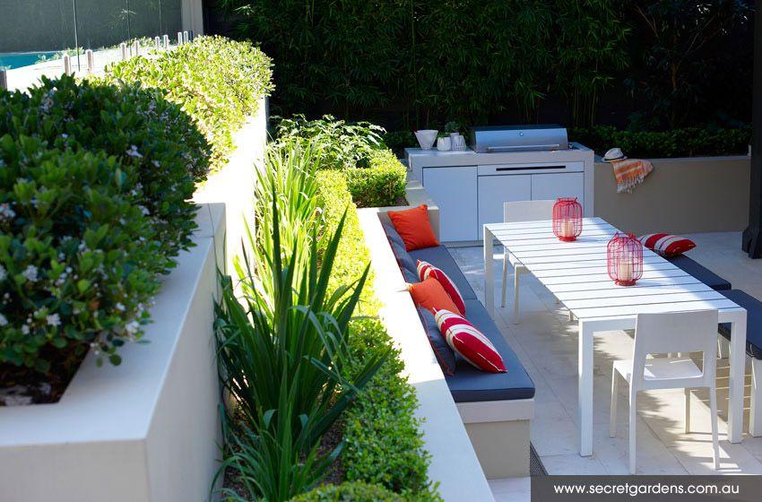Amenagement Terrasse Avec Banquette Muret Et Piscine Au Dessus