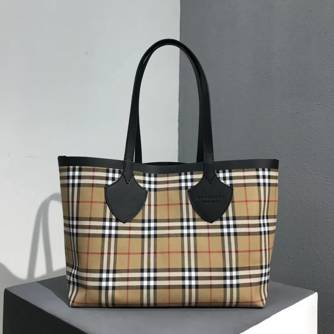 4176de67e8c5 Burberry Medium Reversible Tote in Vintage Canvas Check and Leather 2018 (2)