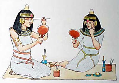 #egipto  Las mujeres aparte del pelo, les gustaba resaltar sus ojos con colores fuertes..