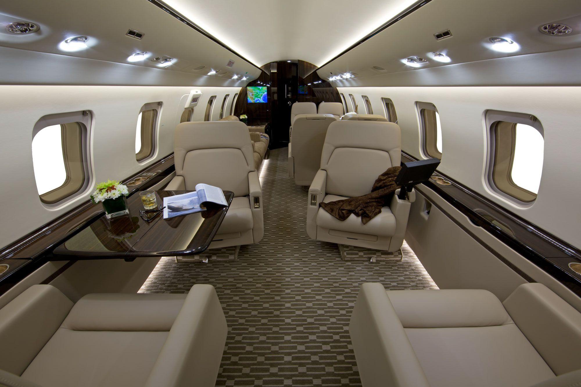 #bombardier #challenger605 #lasvegasjets #jetcharter #privateaviation #bizav Call 702-606-4296 to reserve!