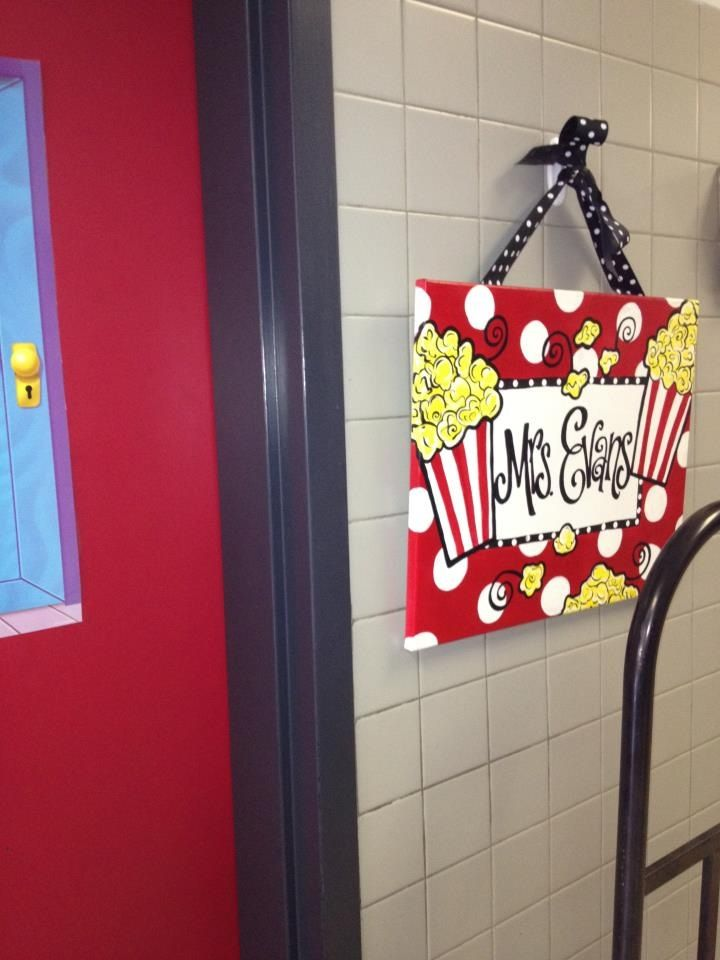 Movie themed name sign | My movie themed classroom ...
