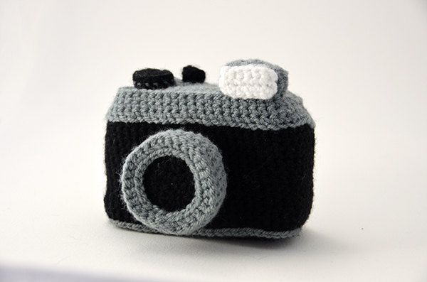 Photo Camera Crochet Pattern - Vintage Lomography Style Camera - Inspired by old vintage Cameras - Amigurumi - CROCHET PATTERN No.70