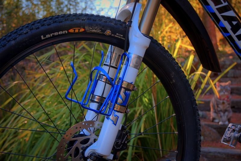Quick and dirty DIY. Best kind of water bottle cage for ...