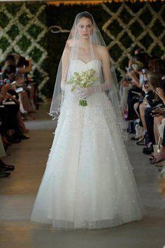 Oscar De La Renta 44e16-8 Wedding Dress $3,100