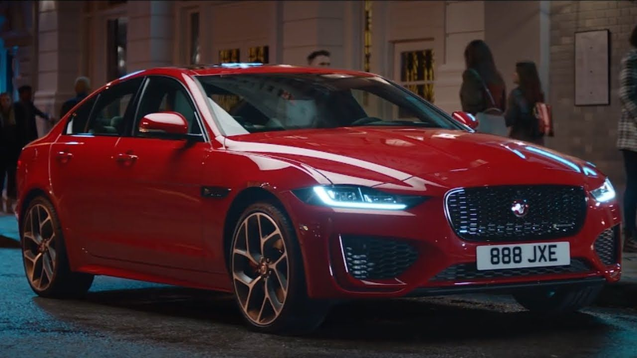 The New Jaguar Xe Provides An Improved Exterior Style All New Glamorous Interior And Advanced Technologies An Upgraded Exterior Style Offers The Xe A More Pur