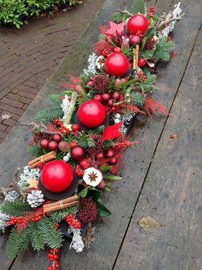 Warm rode kerst BLoemwerk Op Maat #kerstbloemstukken