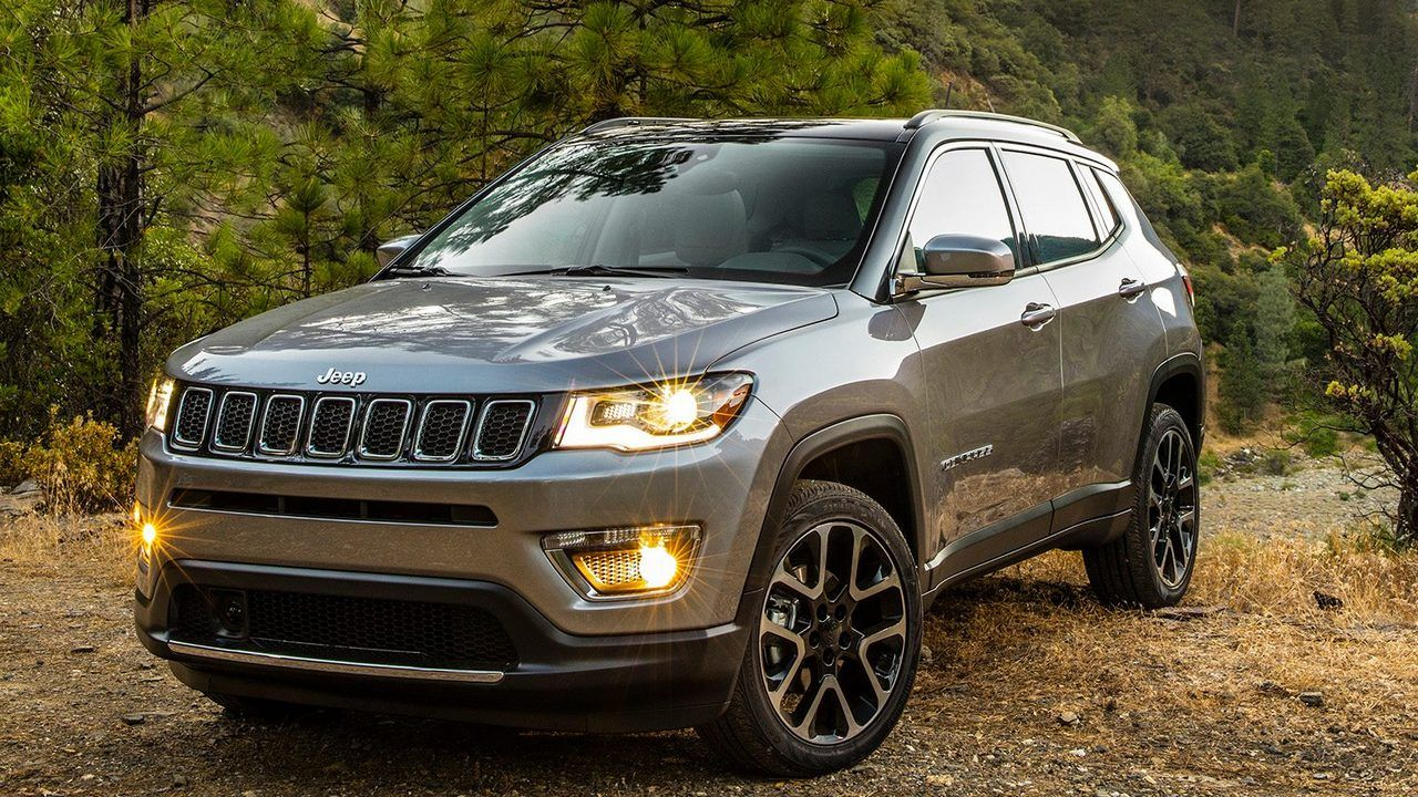 Jeep Compass Vs Jeep Renegade Jeep Compass Car Wheels 2017 Jeep Compass